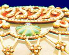 Detail of ithe jewels on the Original Fabergé Egg